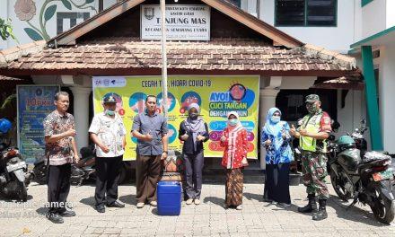 Bantu Lawan Virus Corona, AHLA Udinus beserta Persakmi donasikan Sabun Cuci Tangan dan  Penempelan Media Informasi Covid 19 di Kelurahan Tanjung Mas, Kota Semarang